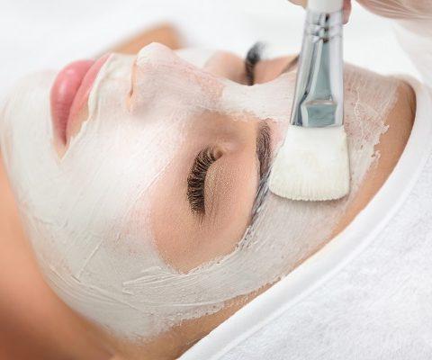 Kosmetische Behandlung - Gesicht